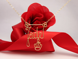 personalized name necklace crown