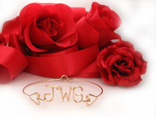 Personalized Bracelet in 14k gold-filled 18 gauge wire