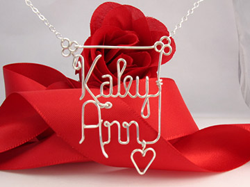 personalized name necklace in wire - heart charm