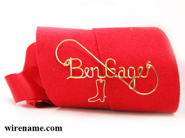 personalized name pin in gold wire