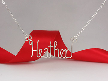 personalized name necklac in gold wire